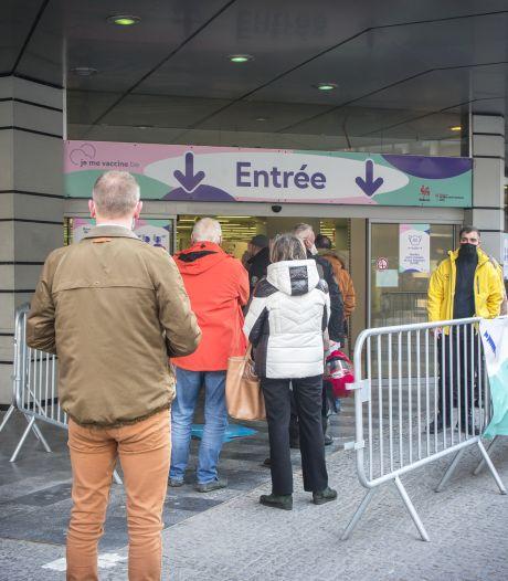 """""""Il y a beaucoup d'enthousiasme"""" au centre de vaccination de Liège Centre"""