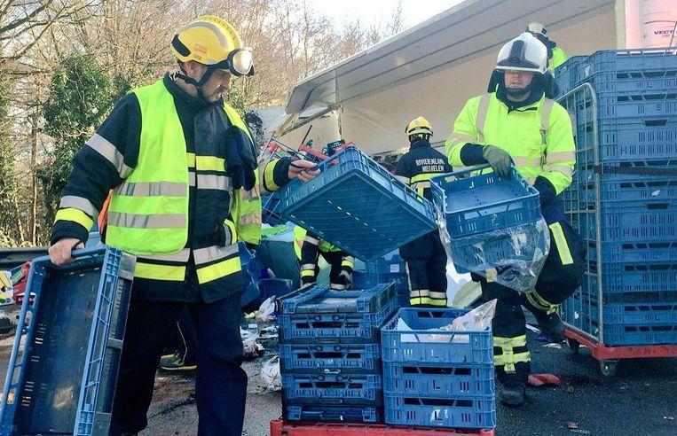 De brandweermannen hadden hun handen vol met de opkuis.