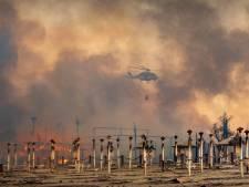 Rook komt nog van de bomen, maar toeristen liggen alweer op het strand in Italië