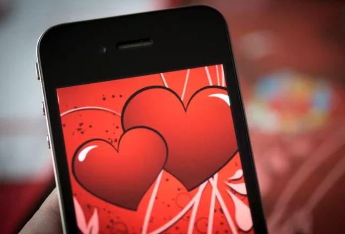 Antonio G. (21) stuurde chocolade, kaarten en mails naar zijn ex-vriendin. Hij dacht haar zo voor zich 'terug te kunnen winnen'.