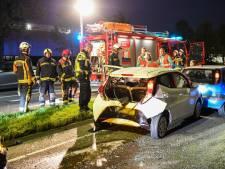 Auto's klappen achterop elkaar en in de verkeerschaos botsen nóg eens drie voertuigen