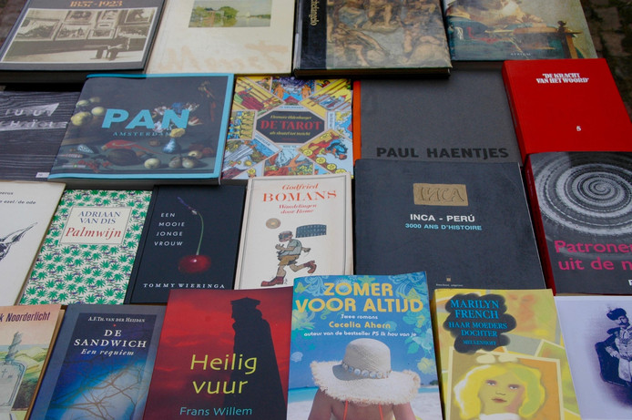 Boekenbeurs in Nieuwkuijk.
