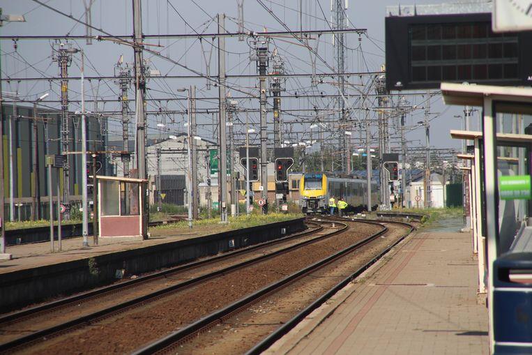 De gestrande trein in Lichtervelde.