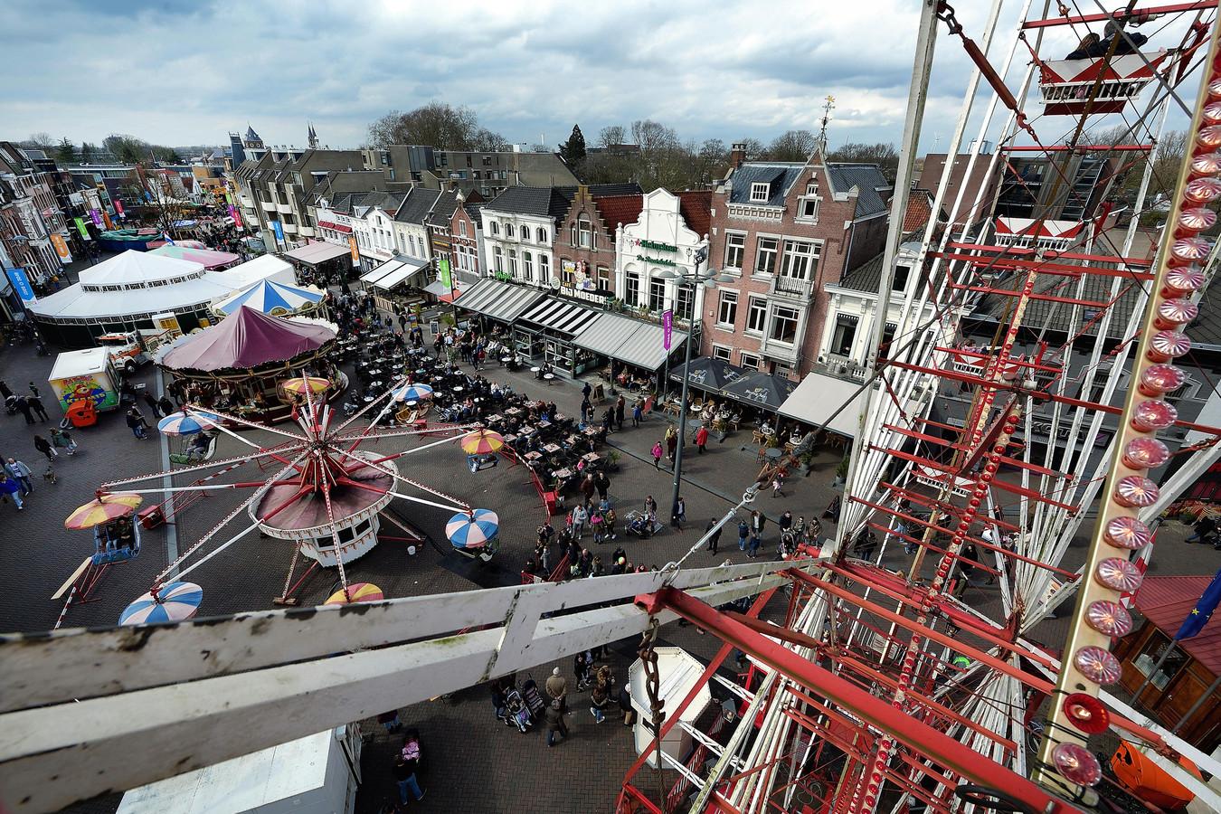 Zwieren en zwaaien zonder knallende decibellen. De nostalgische kermis in Roosendaal is een succesnummer en verdient volgens de organisatie een vervolg.