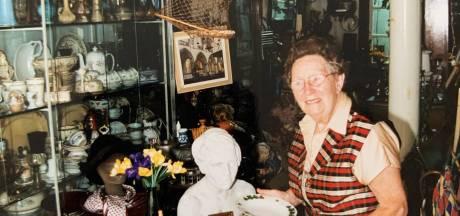 Als kind had Rie geen duur speelgoed, maar later des te meer: dochter Loes (69) schenkt collectie aan Speelgoedmuseum Deventer