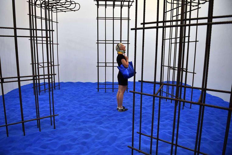 'Speculating on the Blue' van Flaka Haliti (Kosovaars paviljoen). Beeld AFP