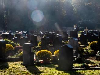Reveil en troostplekken op Wetterse kerkhoven
