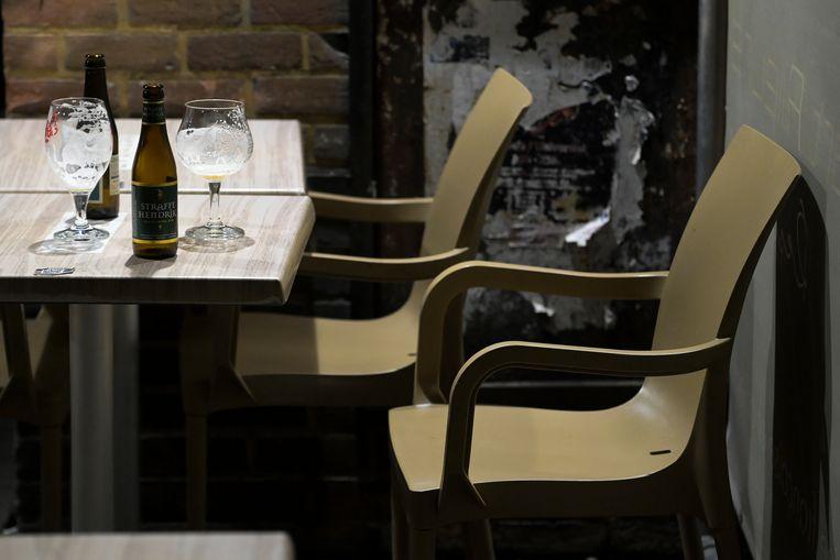 Een verlaten bar in Louvain-la-Neuve.  Beeld BELGA