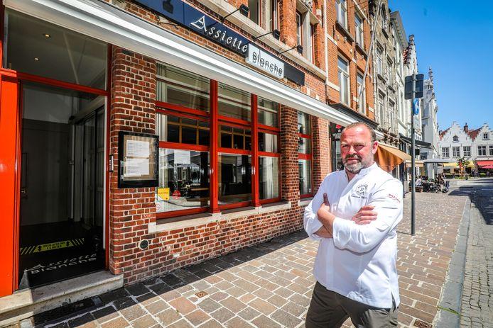 Stefaan Timmerman van Assiette Blanche. Hij gaat straks weer open na zeven lange maanden sluiten.