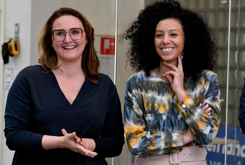 Gwendolyn Rutten: 'Sihame heeft stevig onderhandeld over haar onafhankelijkheid: 'Ik wil mijn eigen stijl, mijn eigen filmpjes, gemaakt door mijn eigen crew, in mijn eigen kleuren.' Dat hebben we haar gegund.' Beeld Photo News