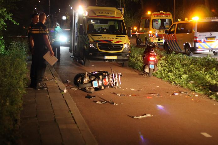 Twee personen raakten gewond.