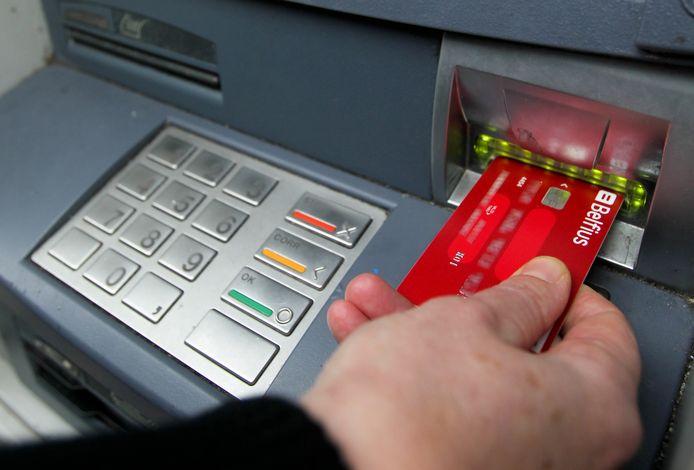 Maximumprijs voor offline bankverrichtingen: hoeveel betaalt de niet-digitale klant vandaag?