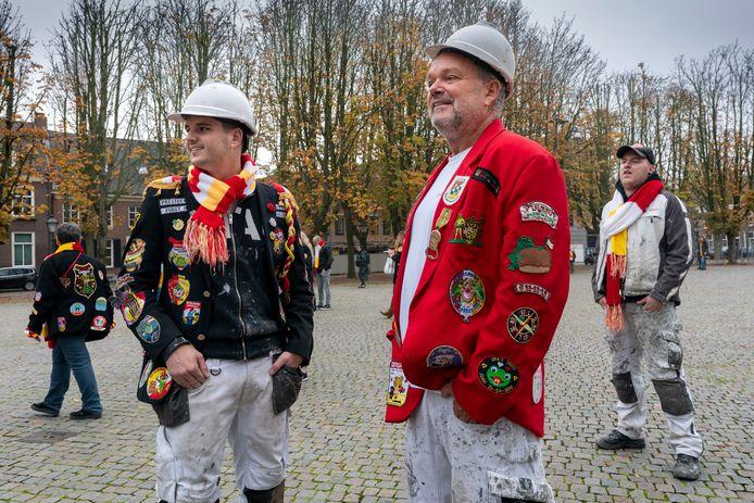 11-11 afgelopen jaar op de Bossche Parade. Het zal er dit jaar drukker zijn met een bijzonder embleem en polsbandje.