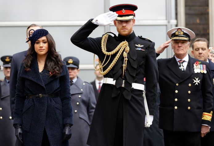Door het definitieve afscheid verliest prins Harry onder meer zijn militaire titels.