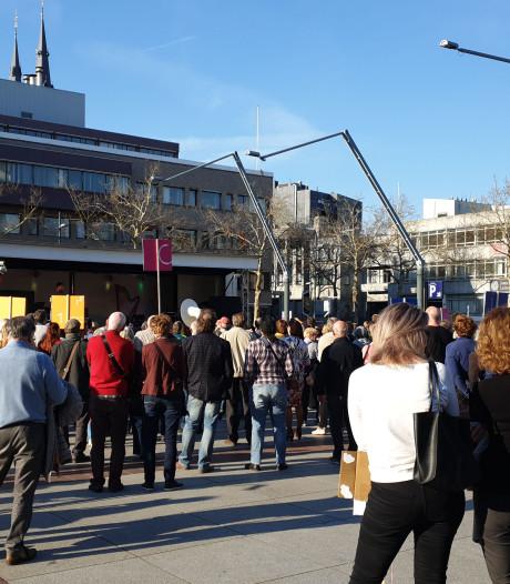 Eindhovenaren voeren actie voor Muziekgebouw: 'Gemeente, los dit probleem op'