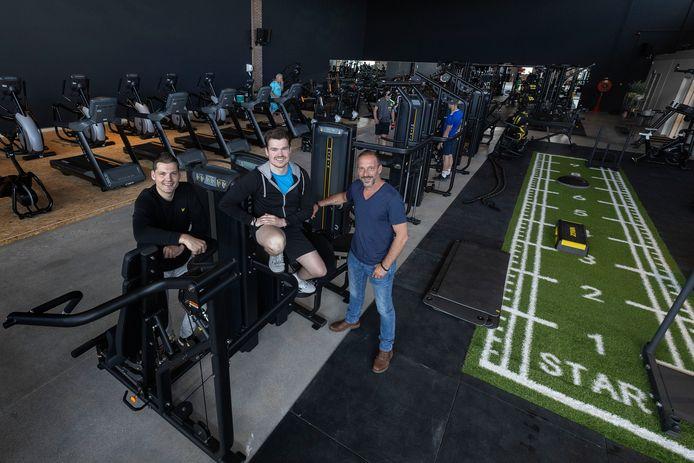 Ruben Loos, Sander Blox en Dave Maas (vlnr) in de nieuwe vestiging van Fit Factory in Bergeijk. Ken Kuijpers staat niet op de foto.
