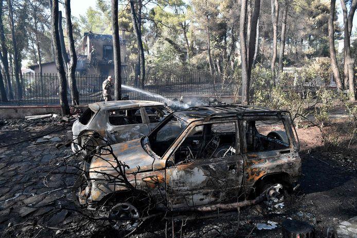 Aan de voet van de berg Pentelikon, dicht bij buitenwijken van de hoofdstad Athene, woedde eerder deze week al een hevig vuur.