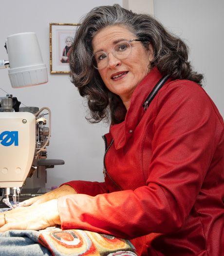 Marjon vermaakt kleding van overleden dierbaren tot iets nieuws: 'Mensen dragen het als een warme deken'