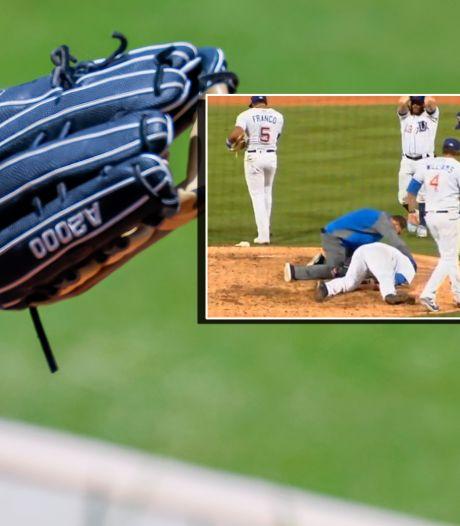 Heftige beelden: pitcher krijgt honkbal met 166 km/u in zijn gezicht