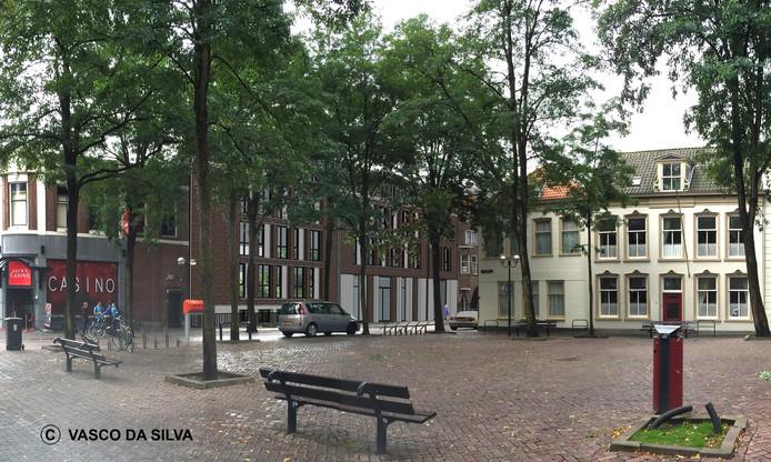 Ontwikkelaar Cees Bakker wil aan het Vrieseplein een viersterrenhotel met ruim 80 kamers bouwen.