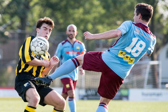 WNC won zaterdag met 0-6 van Theole (geelzwart tenue).