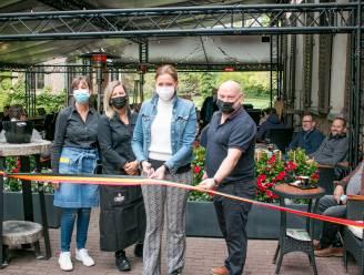 Meteen mooie start, ondanks regenweer: Kasteel Walburg doet het met overkapping van 130 m²