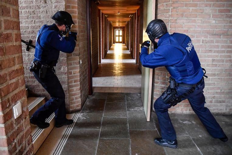 """""""Oefenen in realistische situaties levert veel meer op"""", zegt korpschef Patrick Feys."""
