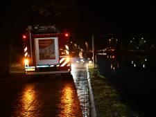 Voorbijgangers redden man uit kanaal bij Vroomshoop