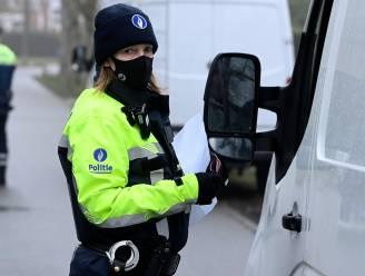 Vrachtwagen te hoog of geen rijbewijs: Politie betrapt vrachtwagenchauffeurs op allerlei inbreuken tijdens verkeerscontrole