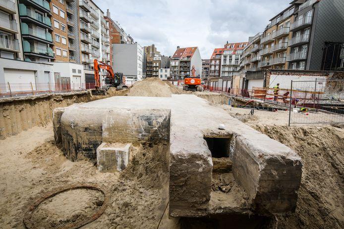 De opgegraven bunker aan de achterkant van het Rubensplein.