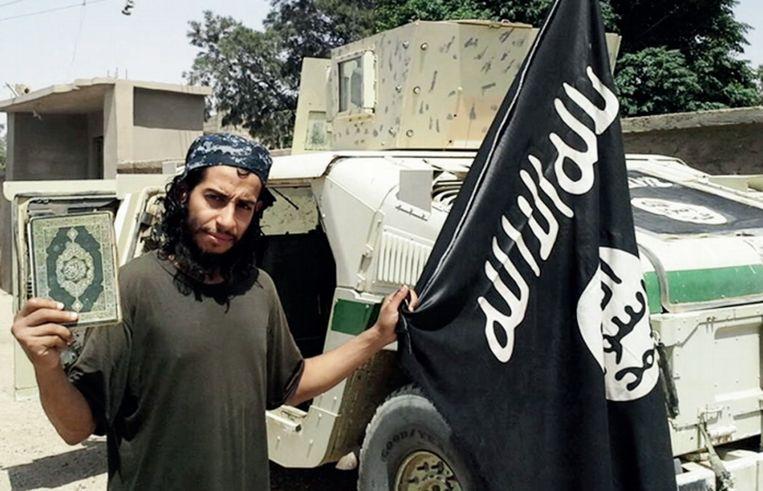 Abdelhamid Abaaoud, die de aanslagen in Parijs leidde, is een van de vele jihadi's met een crimineel verleden. Beeld ap