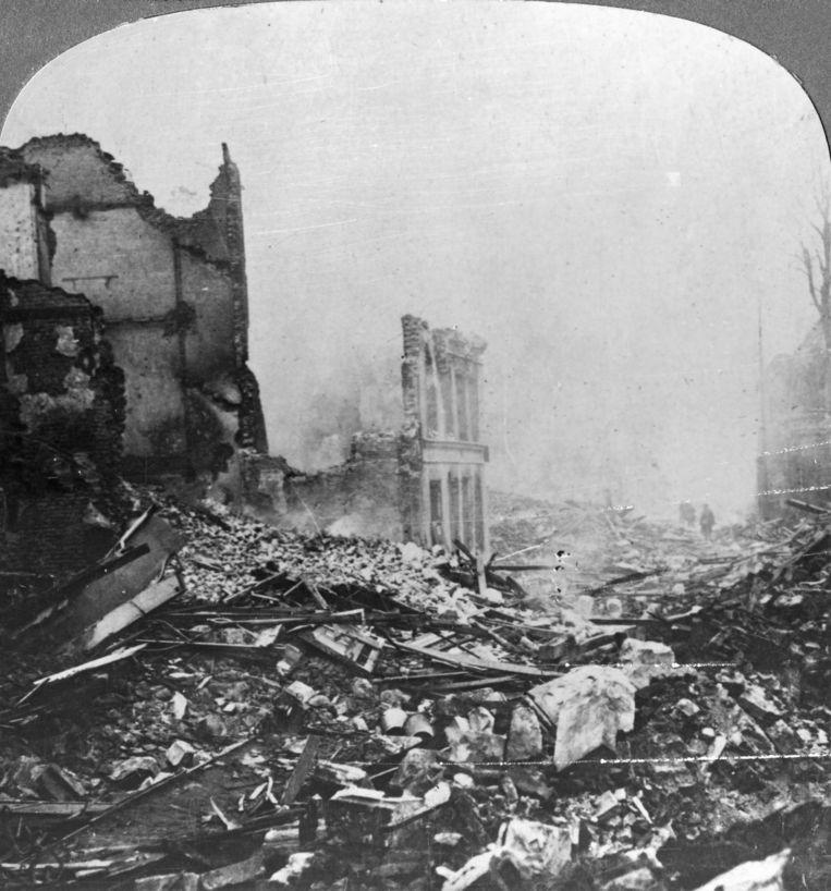 De Noord-Franse stad Béthune in 1915.  Beeld Getty Images