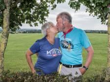 Ronald en Ursula vieren hun gouden bruiloft samen met 40.000 wandelaars