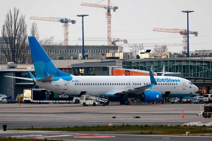Het vliegtuig waarmee Navalny naar Moskou vliegt op Berlin Brandenburg Airport in Schoenefeld, bij Berlijn.