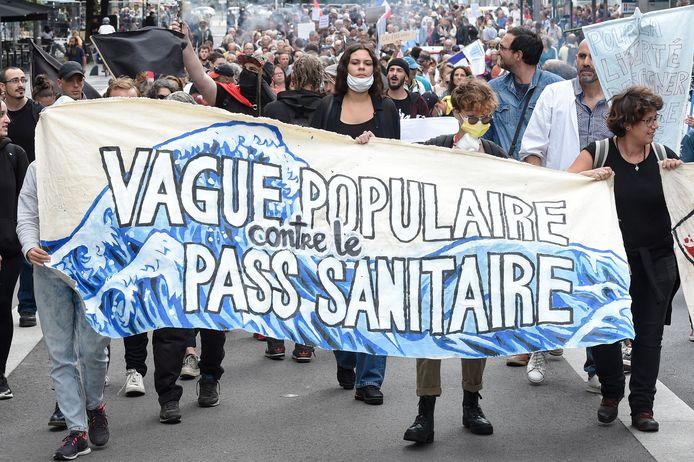 Ook in Nantes kwamen demonstranten op straat.