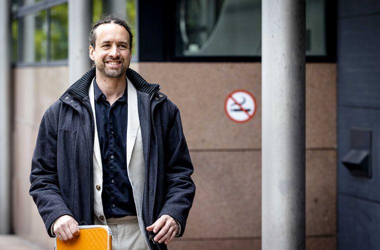 Willem Engel komt aan bij het Paleis van Justitie voor de civiele zaak bij het Gerechtshof van Stichting Viruswaarheid tegen de Nederlandse staat over het Covid-19 vaccinatiebeleid.  Beeld ANP