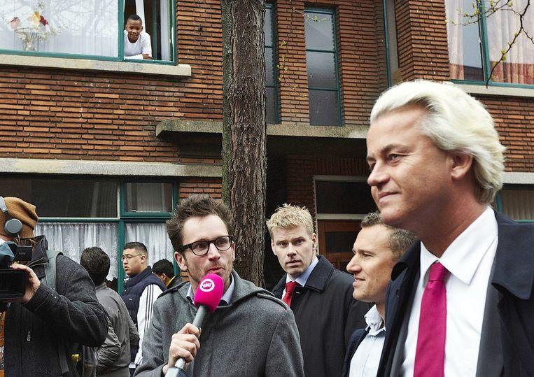 Wilders tijdens zijn bezoek aan de Haagse schilderswijk. Beeld epa