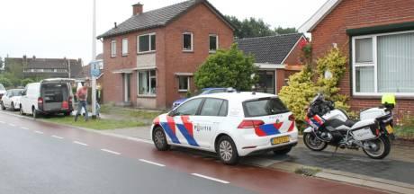 Politie doet langdurig onderzoek in woning Daarlerveen: Oorzaak nog onduidelijk