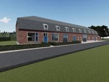 Verwaarloosde langgevelboerderij Hoenderstraat Budel wordt in ere hersteld