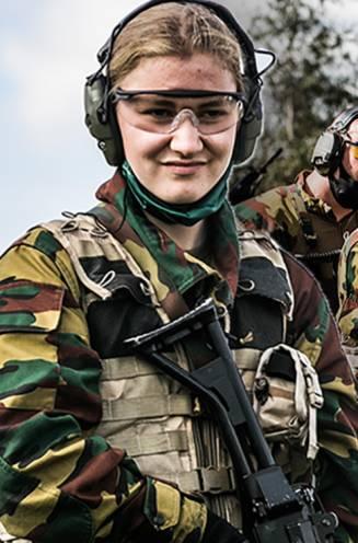 """Prinses Elisabeth bijna klaar met militaire opleiding: """"Er wordt al druk nagedacht over haar toekomstige partner"""""""