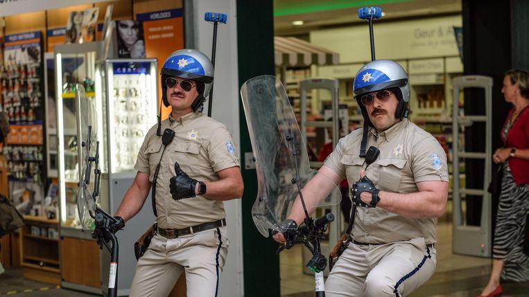 Johnny en Sonny van de Corona Safety Patrol.