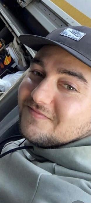 Een 29-jarige man uit Apeldoorn wordt vermist. De politie houdt er rekening mee dat hij niet vrijwillig is vertrokken.
