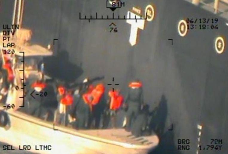 Onder andere deze beelden van Iraanse Revolutionaire Gardes moeten volgens de VS aantonen dat Iran achter de aanval zat. Beeld EPA