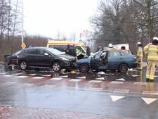 Ravage en een gewonde na ongeval met drie auto's in Putten