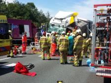 Chaos op A50 tussen Apeldoorn en Arnhem na ongeval met vrachtwagens