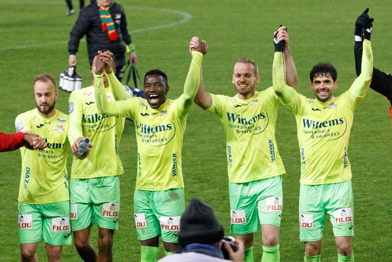 Vreugde bij KV Oostende na de kwalificatie voor de kwartfinales van de Croky Cup gisteravond.