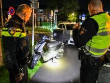 Maaltijdbezorger op scooter raakt licht gewond na ongeval