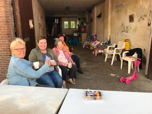 Greet Korverzee (links) en haar familie.
