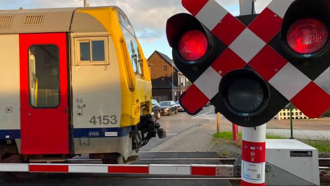 Spooroverweg Leedsesteenweg even in alarm