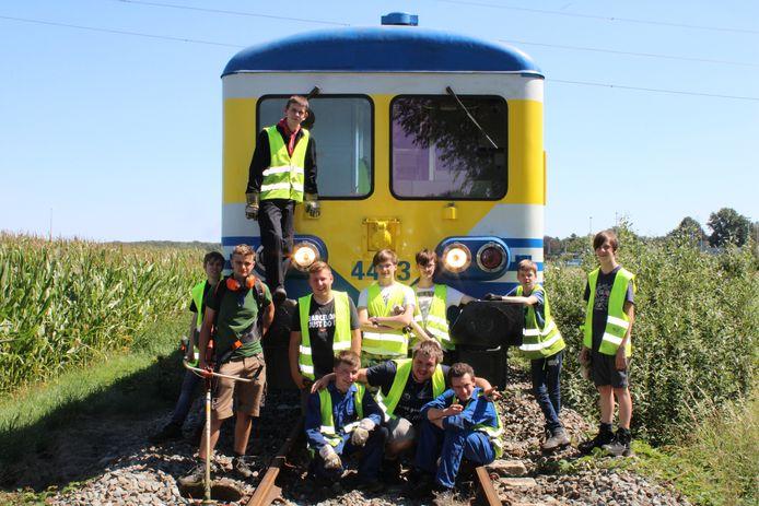 Deze jongeren dromen dag en nacht van treinen.